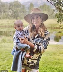 From their austin headquarters and with her baby on her hip, bumble founder whitney wolfe herd rang the (virtual) nasdaq bell on february 11, becoming the. Revealed Bumble Founder And Ceo Whitney Wolfe Herd Received A 125m Payout Ahead Of Its Upcoming Ipo