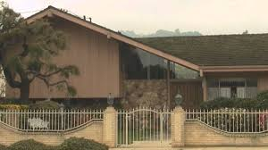 brady bunch house interior pictures. the brady bunch house: then and now 11222 dilling street north hollywood, ca - youtube house interior pictures .