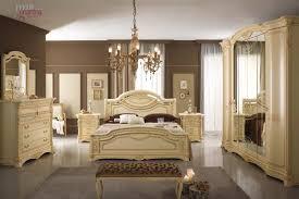 Stunning Camere Da Letto Classiche Moderne Gallery - Acomo.us ...