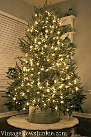 Dcorer la base du sapin de Noel! Voici 20 ides cratives... Christmas Tree  ...