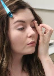 smooth primer onto eyelids