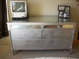image of best metallic spray paint for furniture