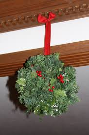 How to make a Christmas Kissing Ball   The Enchanted Manor