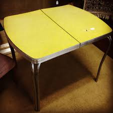 Old Fashioned Kitchen Tables Vintage Kitchen Century Chrome Formica Yellow Cracked Ice Retro