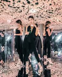 jeff leatham has proved once again why celebrities have him on sd dial after a spectacular showcase at kim kardashian s makeup line launch