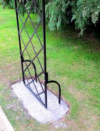 the bale round top garden arch