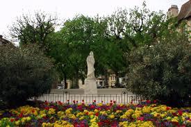 cyrano de bergerac writework old statue of cyrano de bergerac