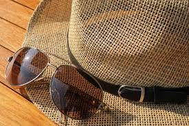 """Résultat de recherche d'images pour """"chapeaux lunettes de soleil"""""""