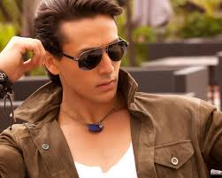 Pin By Bhumika Juyal On Mobile Wallpapers Tiger Shroff