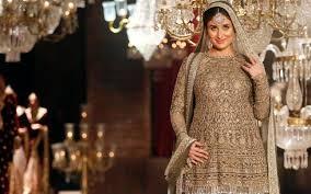 Kareena Pregnancy Diet Chart In Hindi Watch Kareena Kapoor Khan Reveals Her Pregnancy Diet It