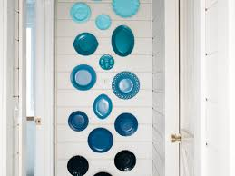 how to make a wall display with colorful plates