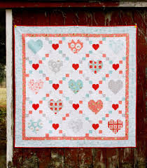 We've got about a month until valentine's day and that means it is time to finish up all those red, white and pink quilts! 25 Valentine Quilt Patterns You Will Love To Sew