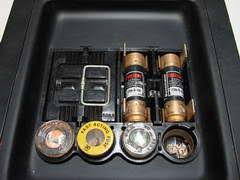electric fuses and circuit breakers How Do I Change A Fuse In A Breaker Box screw based fuses and cartridge fuses how to change a fuse in a breaker box