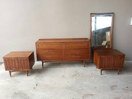 Mid Century Modern Bedroom Furniture Home Decorating Ideas Home Decorating Ideas Thearmchairs
