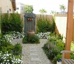 mediterranean patio garden
