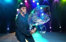 World famous bubble artist Fan Yang returns to Vietnam | Culture - Sports |  Vietnam+ (VietnamPlus)