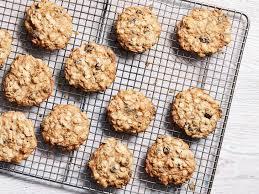 oatmeal walnut and raisin cookies