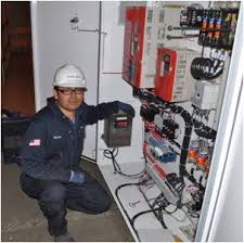 Calibration Technicians Water Weights Load Cell Calibration And Testing Services With