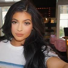 the crazy story of how kylie jenner s makeup artist came to be kylie jenner s makeup artist allure