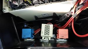 under hood fuse box location Range Rover Suspension Diagram just curious, but why have you decided that it isn't the one in the e box (connector 0570, fuse f3)?