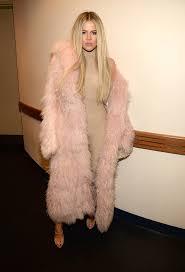 01 celebrity news khloe kardashian home pictures bathroom a memory foam bath mat