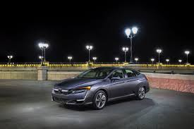 honda clarity series and cr v honored as the most innovative car and suv by 2018 edmunds ces tech driven awards
