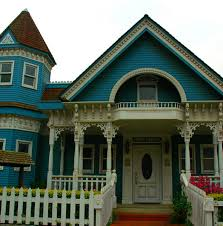 While the victorian style flourished from the 1820's into the early 1900's, it is still desirable today. All About Victorian Style Homes Dengarden Home And Garden