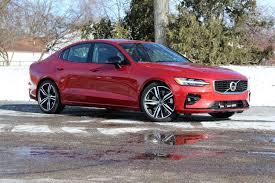 2020 Volvo V60 T6 R Design 2019 Volvo S60 T5 Fwd Momentum