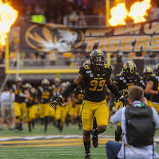 Notebook A Look Back At A Missouri Defensive End Covering A