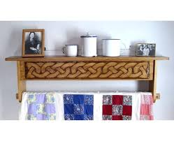 quilt hanger with shelf wall