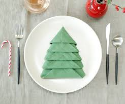 Introduction: Christmas Tree Napkin Fold