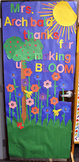 Spring classroom door decorations Easy Volunteerspot Blog Signupcom 10 Spring Door Decs For The Classroom Online Signup Blog By Signupcom
