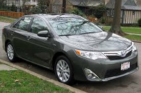 File:2012 Toyota Camry Hybrid XLE -- 01-01-2012.jpg - Wikimedia ...