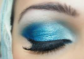 blue eyes makeup tutorial with rose colored lipstick for your eyes