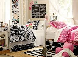 Decorating Room With Posters Dorm Room Decor Ideas For Your Bare Walls Picture Ideas Cool