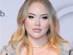 NikkieTutorials was blackmailed before coming out as ...
