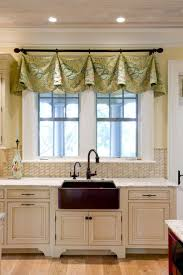 40 Impressive Kitchen Window Treatment Ideas Kitchen Craft Inspiration Kitchen Curtain Ideas