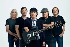 <b>AC</b>/<b>DC</b> Interview: Angus Young, Brian Johnson on New 'Power Up ...