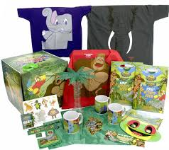 these gift bo are ideal for guests at rainforest café why it s a large and sy box perfect for souvenirs the box is 30cm x 30cm x 30 cm
