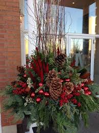 Christmas Decorations For Outdoor Urns