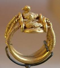 ring with ducks bearing the name of ramsès iv 1153 1147 b moderne guldsmede kom an betty miller ancient egypt jewelry