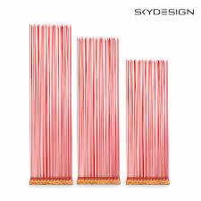 Roter Raumteiler In Holzoptik Rote Fiberglasstäbe Mit Bambus Basis