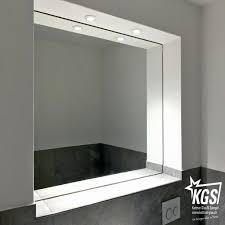 Badspiegel Mit Beleuchtung Und Ablage Bilder Booxpw