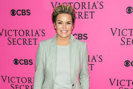 Yolanda Foster Hairstyle yolanda foster latest news photos and videos in touch weekly 1731 by wearticles.com