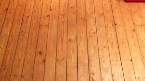 Welche Vorbereitungen Sind Nötig Für Fliesenlegen Auf Holzboden