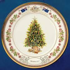 Amazoncom  Spode Christmas Tree 12Piece Dinnerware Set Service Lenox Christmas Tree Plates