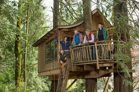 Your Childhood Dream Home: The Extreme Treehouses Of \u201cTreehouse Master