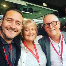 William mellor (born 3 april 1976) is an english actor, singer, and model. Devastated Will Mellor Tearfully Reveals His Hero Dad Has Died In Emotional Video