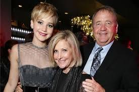 Jennifer Lawrence y Cooke Maroney siguen el ejemplo nupcial de sus  padresMayaPolitikon