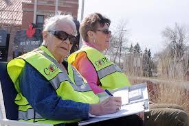 Volunteers check speeds on streets - Brandon Sun